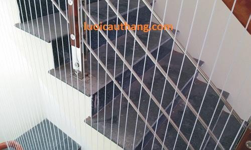 lưới chắn cầu thang