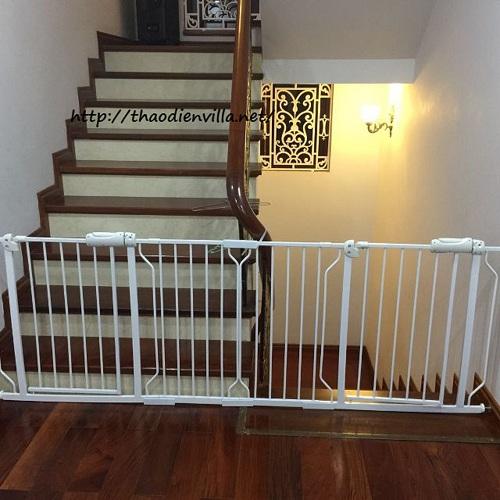 chặn cầu thang